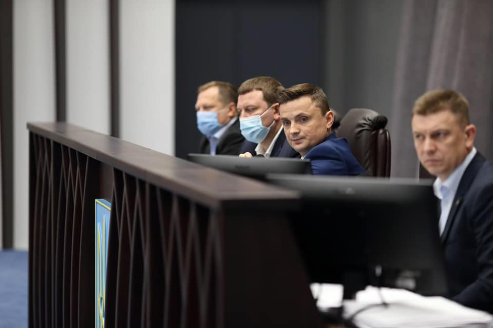 Сесія Тернопільської обласної ради, що було: конфлікт інтересів та пост-фактум про окремі рішення