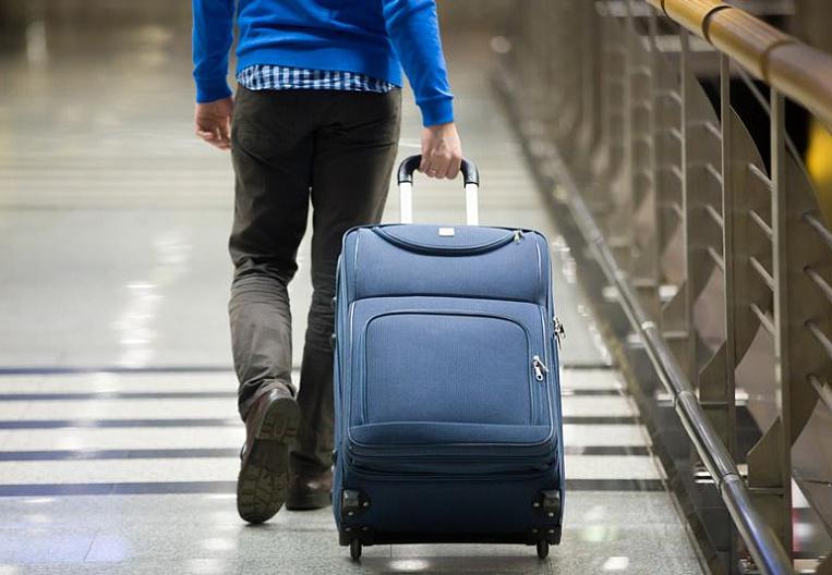 Відібрали паспорти, не заплатили, побили: під час пандемії все більше заробітчан потрапляють у трудове рабство